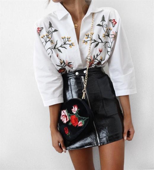áo sơ mi thêu hoa
