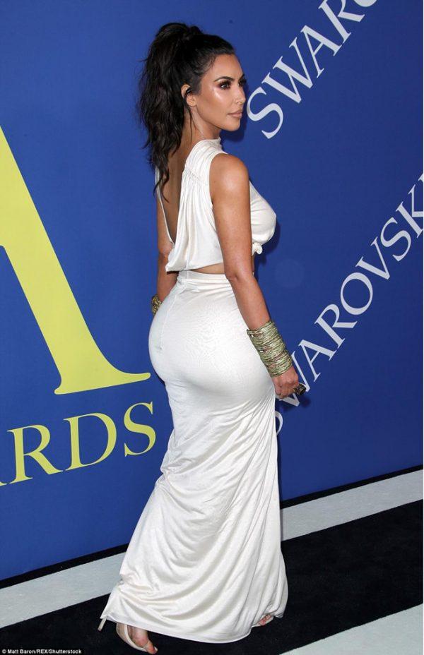 trang của chị em Kim Kardashian