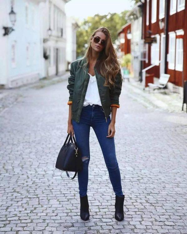 thời trang mùa thu với boot cổ ngắn của cô gái pháp