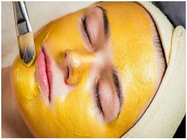Cách đắp Mặt nạ tinh bột nghệ mật ong