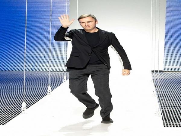 Giám đốc sáng tạo Raf Simons chính thức chia tay Calvin Klein