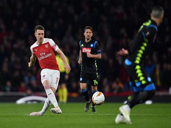 Arsenal - Napoli: May mắn luôn đồng hành