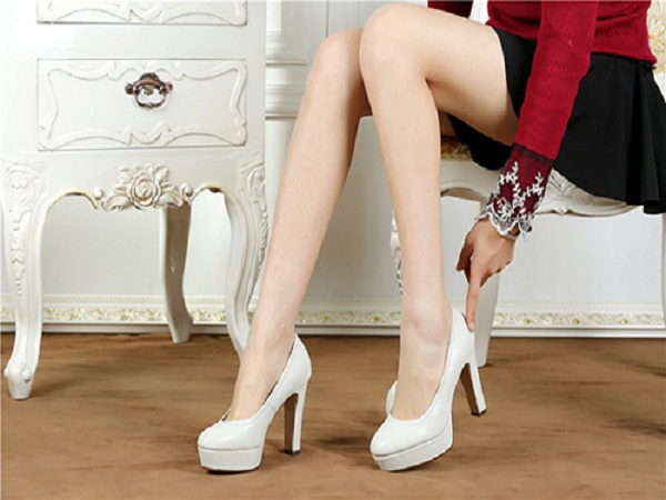 Chọn giày cao gót phù hợp với dáng người