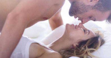 5 cách làm mới chuyện chăn gối giúp bạn giữ chồng