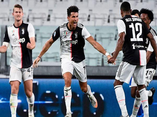 Ronaldo tỏa sáng giúp Juventus vô địch Serie A