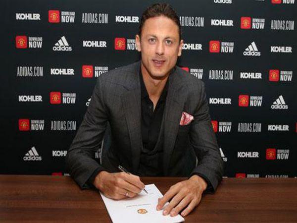 Matic chính thức gia hạn hợp đồng với M.U