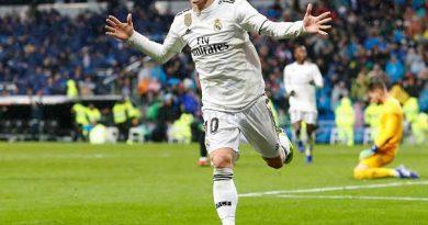 Tin bóng đá tối 23/4 : Modric xác định tương lai với Real
